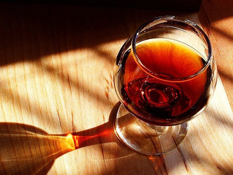"the only exception to the rule of "" quit drinking to lose weight "" is wine"