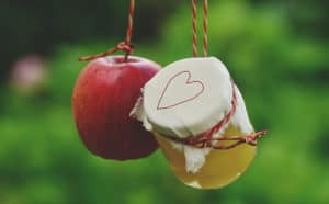 A gift apple after revealing positive pregnancy test.